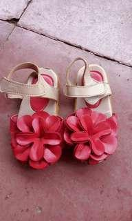 Sepatu Bunga size 26