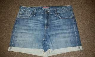 NEW Tommy Hillfigure Shorts