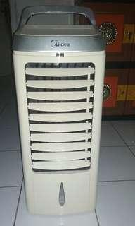 Kipas angin AC midea