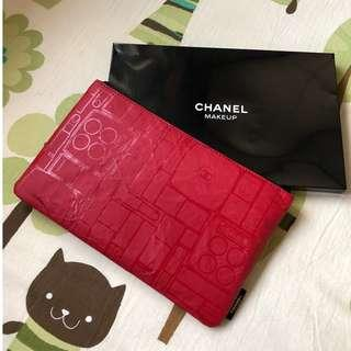 CHANEL Cosmetic Bag / Pouch with skincare samples