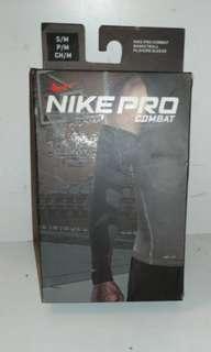 🚚 Nike pro combat籃球防護袖套 S/M 耐吉