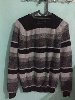 Black grey sweater