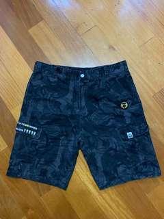 男裝短褲,全新34吋腰100元,有意聯繫。
