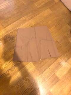 🚚 卡其短裙