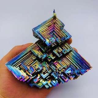 鉍晶體 bismuth crystal