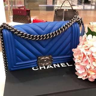 💙Superb Deal!💙 Chanel Medium Chevron Le Boy Flap in Bright Blue Calfskin RHW