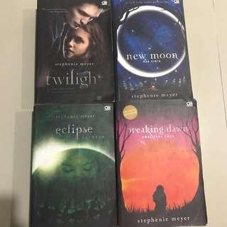 Twilight box set by stephenie meyer