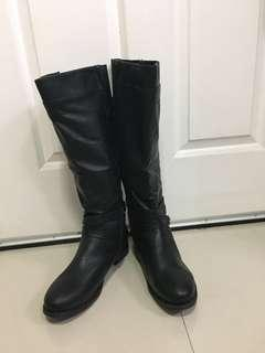 Torrid Black US Size 11W FAUX LEATHER BUCKLE BOOT (WIDE WIDTH & WIDE TO EXTRA WIDE CALF)