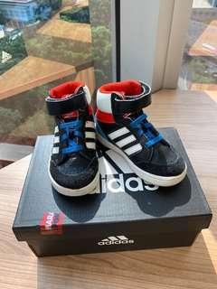 adidas童裝波鞋 kids sport shoes