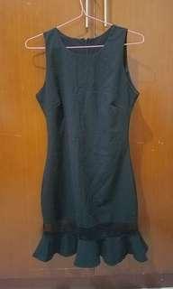 BLACK DRESS TULIP MODEL
