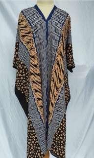 Kaftan batik motif iwan tirta biru