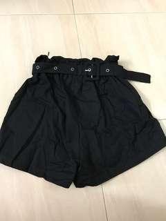 Black bottom with belt