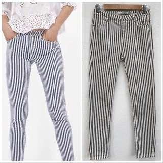 Preloved Zara trafaluc White Blue Striped Skinny Pants