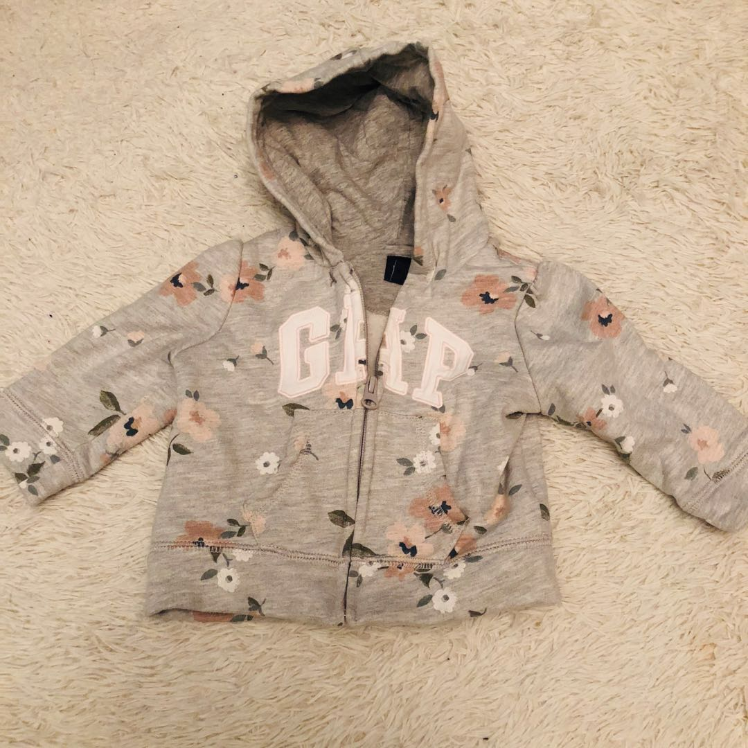 e8cfba7a0a39 Baby Gap Sweater with Hood