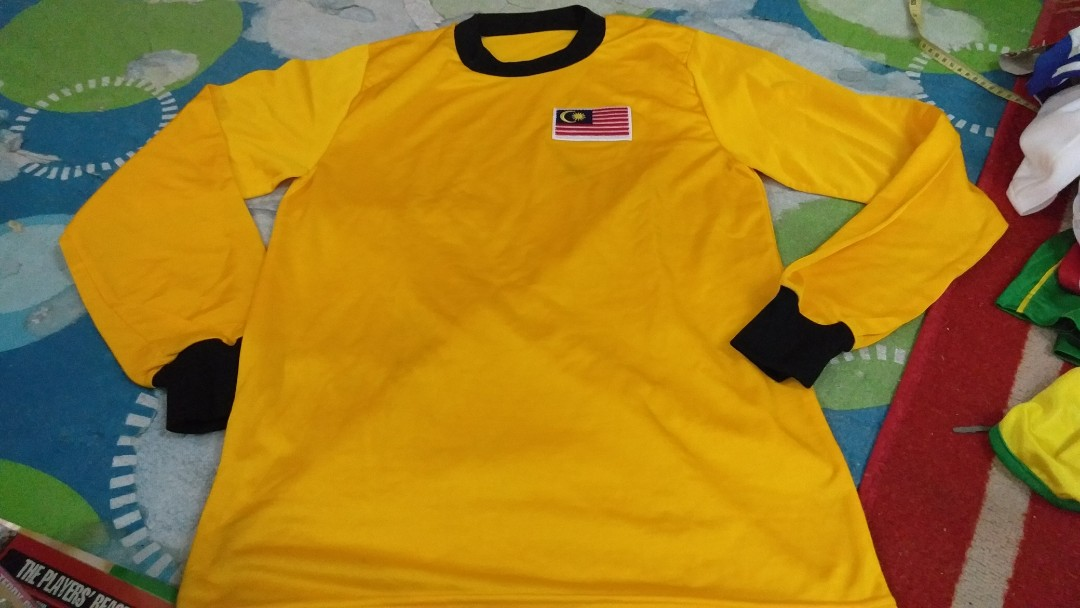 af6724153a8 Jersey kuning diy tribute malaysia 70an, Sports, Athletic & Sports Clothing  on Carousell