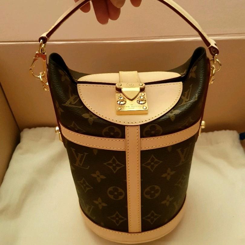 f1f6187e592e NEW Louis Vuitton Duffle Bag Monogram