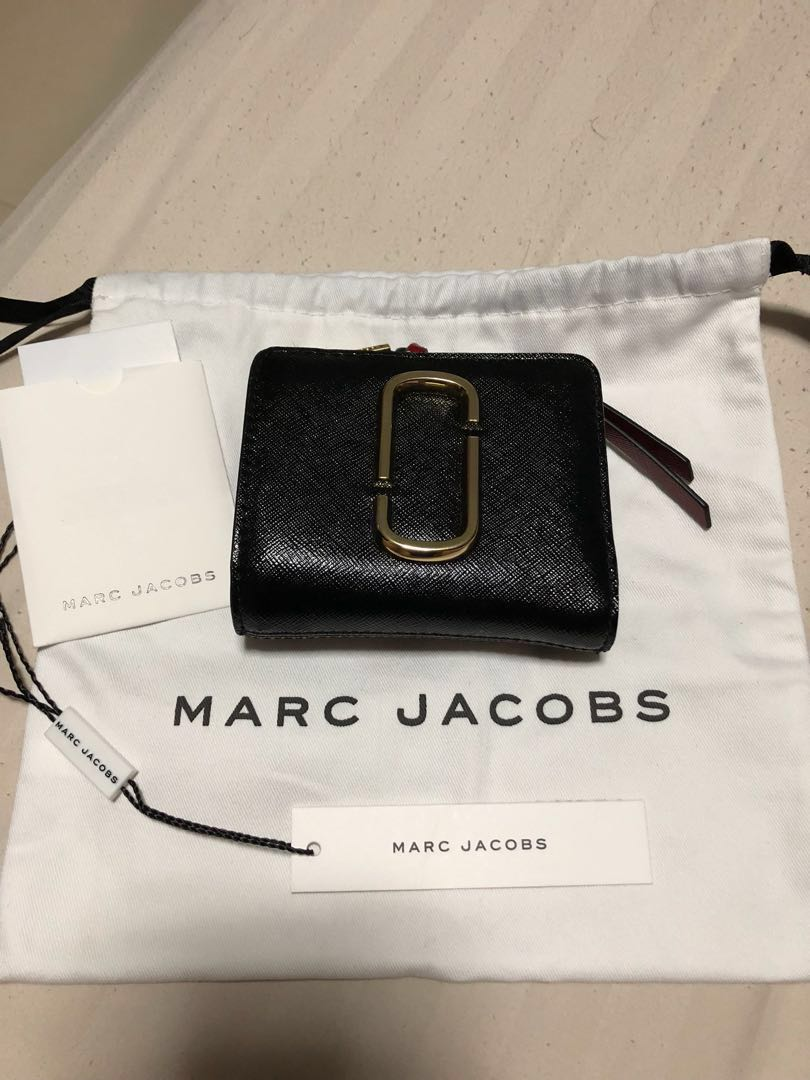 3e9c966091 Marc Jacobs Snapshot Mini Compact Wallet, Women's Fashion, Bags ...