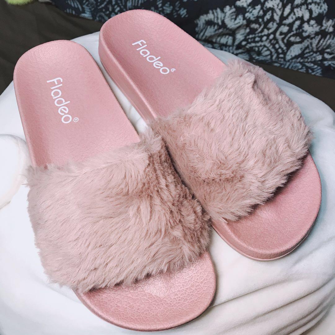 0693ba913 Pink Fur Slides 36 37 Premium Fur Fenty Puma