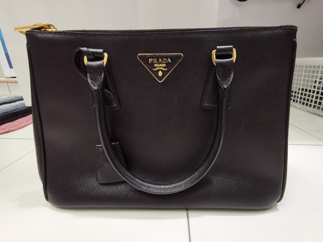 7d0ded215ed7 Prada Saffiano Lux Nero, Luxury, Bags & Wallets, Handbags on Carousell