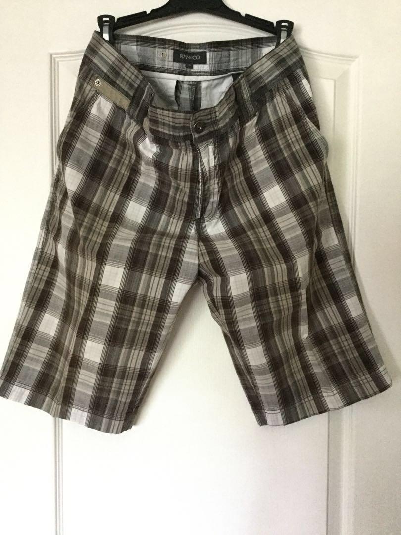RW & Co Black and white plaid shorts. Size 30. Men's/Teen Boys. EUC