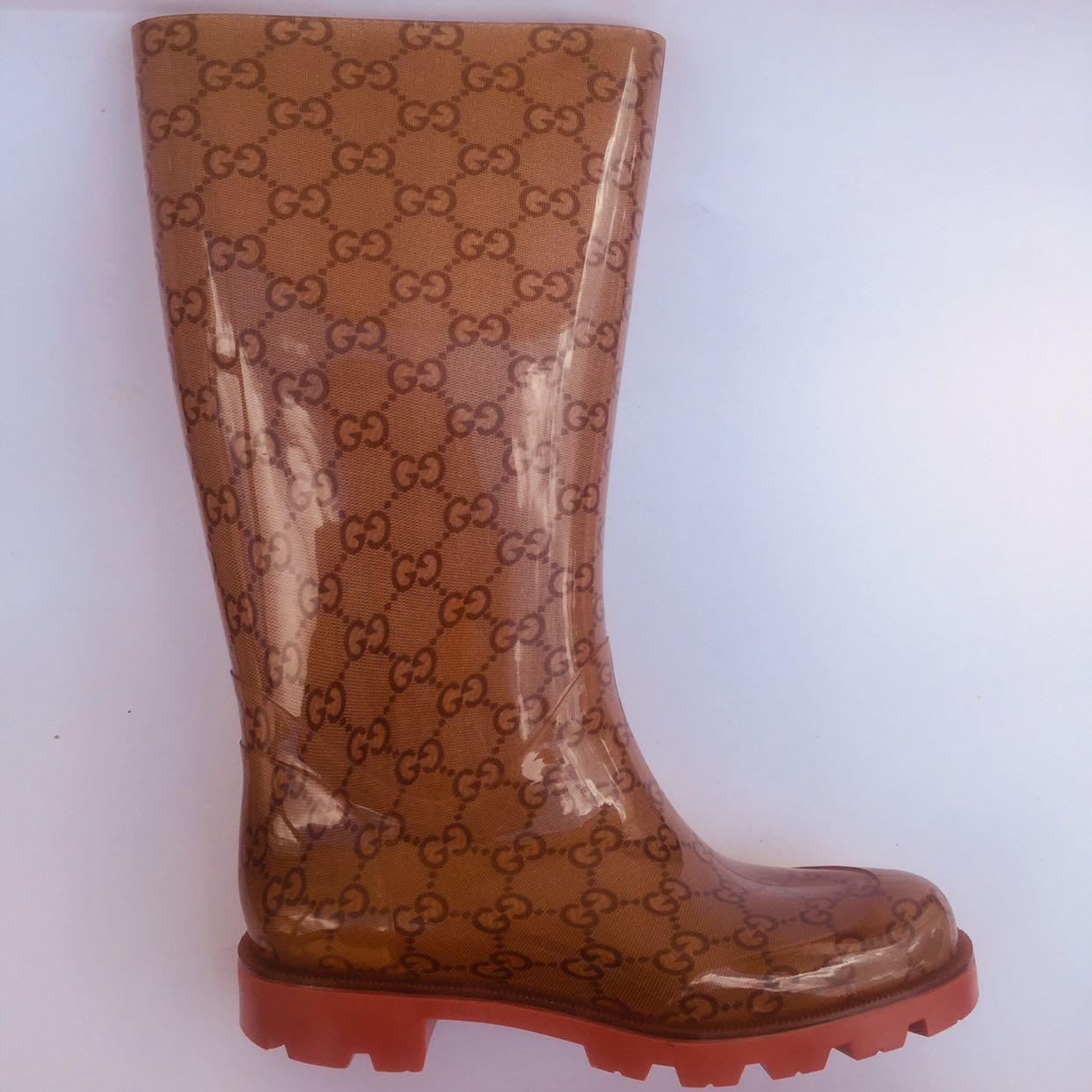 29a48b8681f SALE!!! Gucci Guccissima Monogram Edimburg Rain Boots