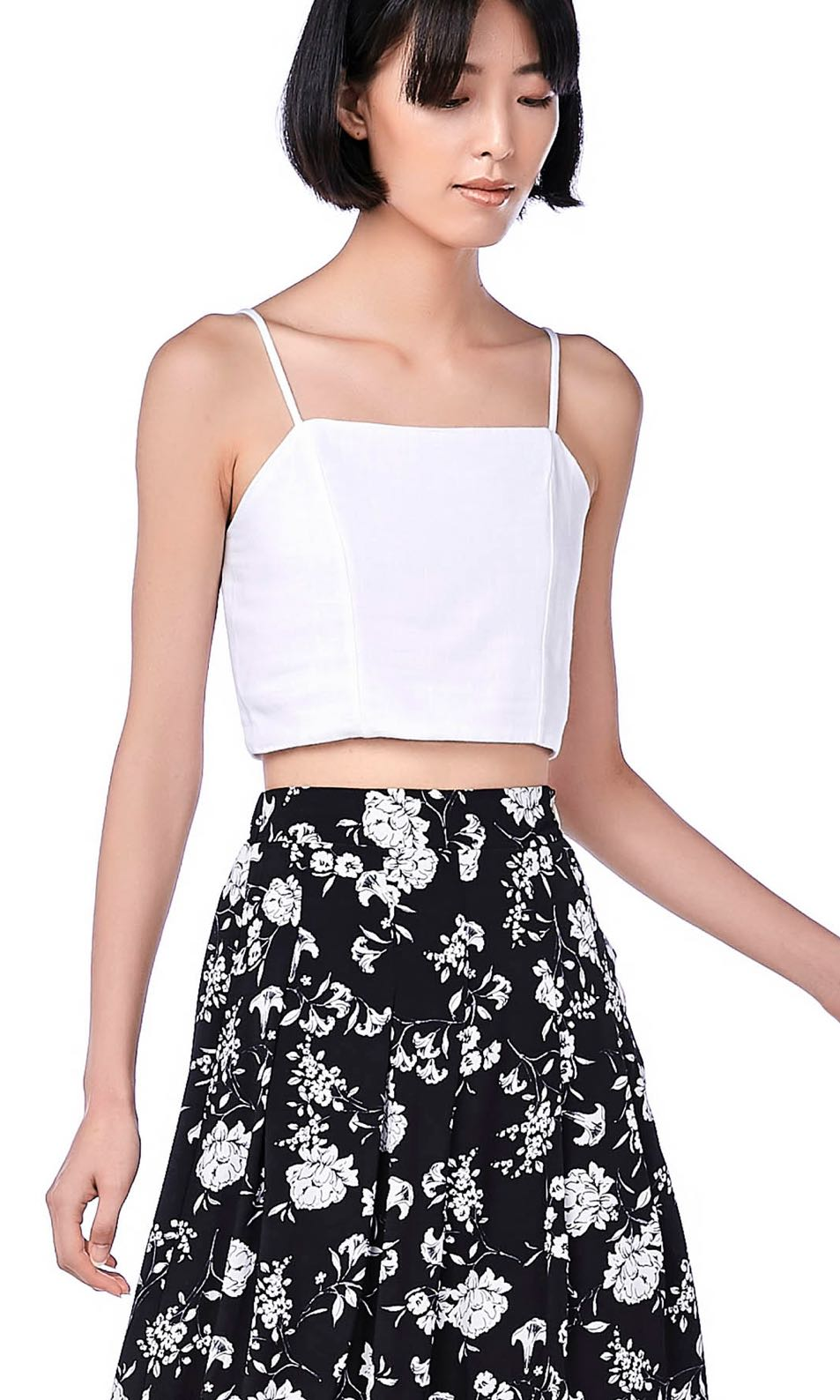 5467a2c9 TEM Celyn Crop Top in White, Women's Fashion, Clothes, Tops on Carousell