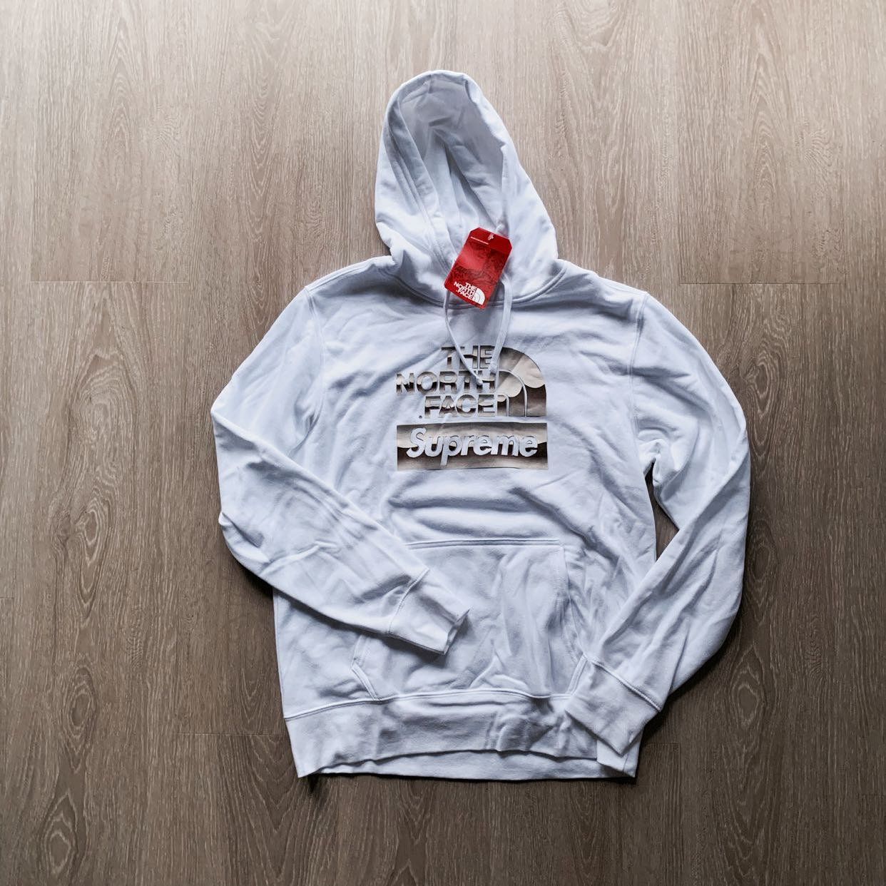 c969666e THE NORTH FACE SUPREME HOODIE, Men's Fashion, Clothes, Outerwear on ...