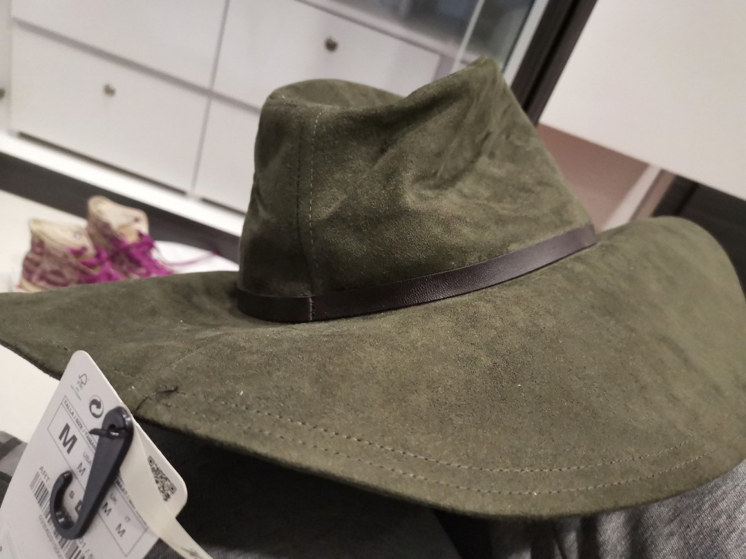 bfc1bf38 Zara hand made hat, Women's Fashion, Accessories, Caps & Hats on ...