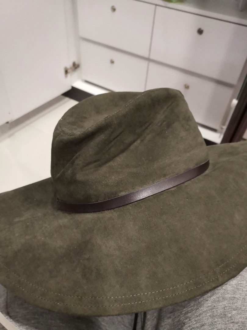 4695099e Zara hand made hat, Women's Fashion, Accessories, Caps & Hats on Carousell
