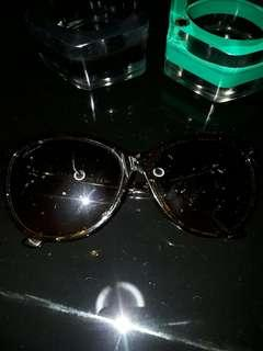 Gucci GG Logo Tortoise and Gold Frame Sunglass Authentic