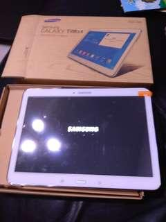 New new Samsung Tab 4 wifi 10.1 inches