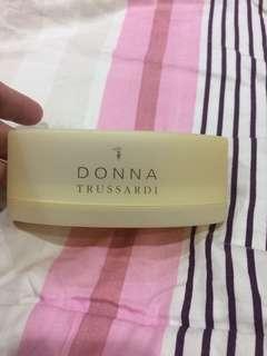 Donna Trussardi soap