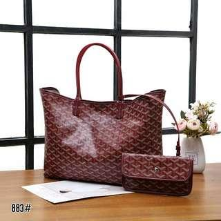 Goyard Saint Louis Tote Bag 2in1 Set Pouch 883#  Bahan pvc waterproff Di kombi dengan kulit Dalaman kain kanvas Kwalitas High Premium AAA Tas uk 34x13x27cm Sayap uk 47cm Pouch uk 20x11cm Berat 0,5kg  Warna : -Black -Green -Wine Red -Yellow  Harga @470rb