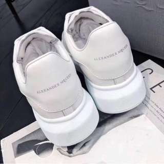 cf3d7119f8173 Alexander McQueen Oversized Sneakers in white