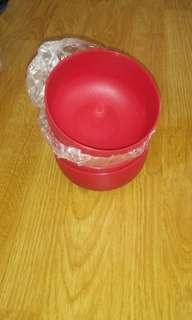 Tupperware Red Bowls
