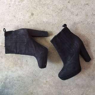 Black boots - H&M