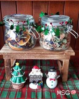 CHRISTMAS COLLECTION NO. 4 (HOLIDAY BLEND TEA & PANDAN, LEMONGRASS & BLUE PEA TEA IN GLASS CANISTERS)