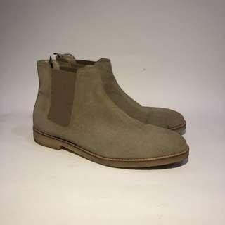 Zara Chealsea Boots