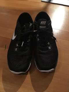 Nike running shoes 9.5