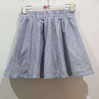 🚚 全新 PAZZO 直條紋傘狀鬆緊褲裙 適合S-M穿著 中國製造