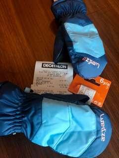 Brand New waterproof winter ski gloves for kids