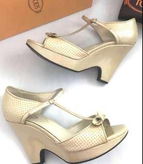 TODS Wedges Authentic