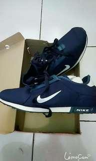 Nike women import