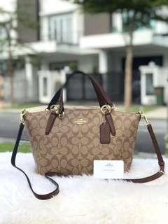 100% Authentic Coach kelsey in Signature brown