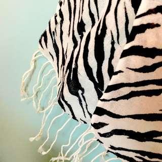 斑時尚百搭馬紋薄圍巾