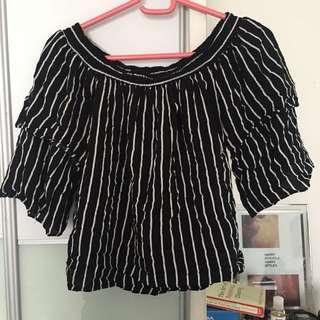 Nichii black stripes with ruffle sleeves