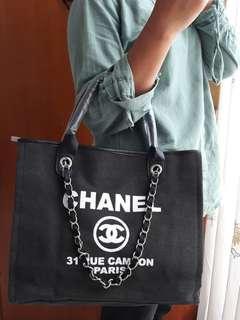 Chanel kanvas VVIP Product
