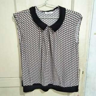 sleeveless top motif