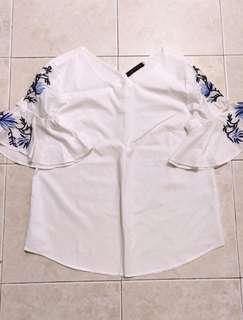 (BN) Embroidered top