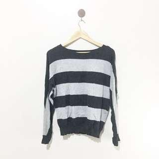 Gray stripes pullover